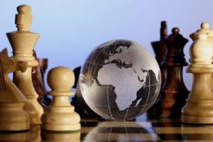 Globe-terrestre aux échecs