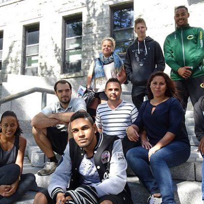 Photos étudiants internationaux dans les marches du Cégep